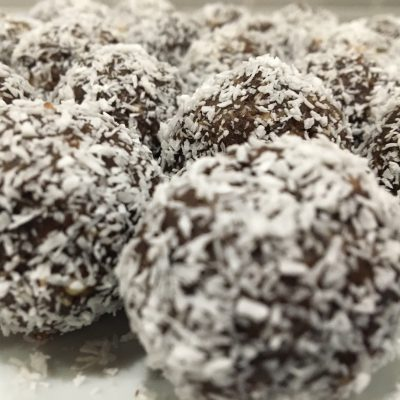 Sugar-Free Raw Vegan Chocolate Date Balls